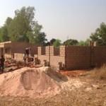 Bau des zweiten Gebäudes (Jungsprojekt)