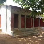 Gebäude mit Duschen und Toiletten