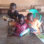 Jirapa_Bibliothek_die ersten Kinder